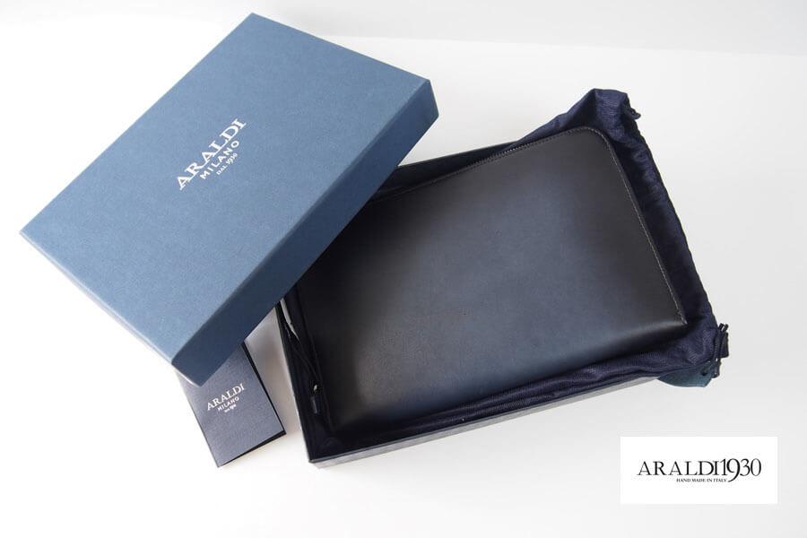 アラルディ|ARALDI 1930|レザー オーガナイザークラッチバッグ|AR B P355 TAMPONATO|ダークナイトイメージ01
