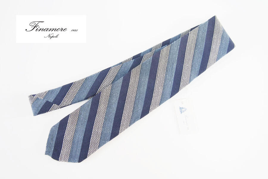 フィナモレ|Finamore|レジメンタルシルクネクタイ|ブルーイメージ01