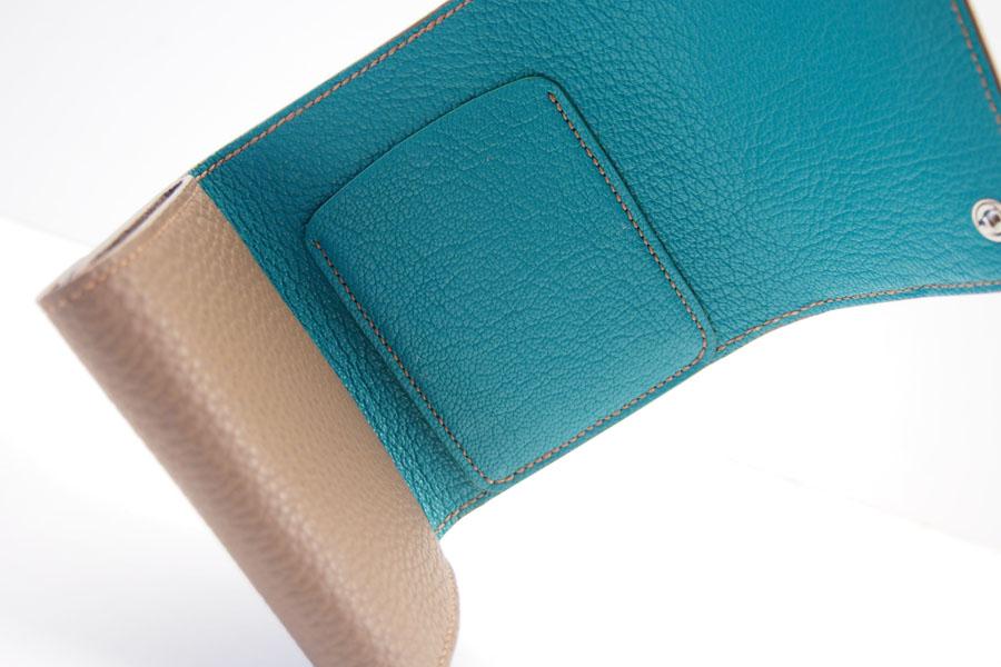 メゾンタクヤ|MAISON TAKUYA|小銭入れ付三つ折り財布|WX Wallet|ベージュ×ターコイズイメージ09