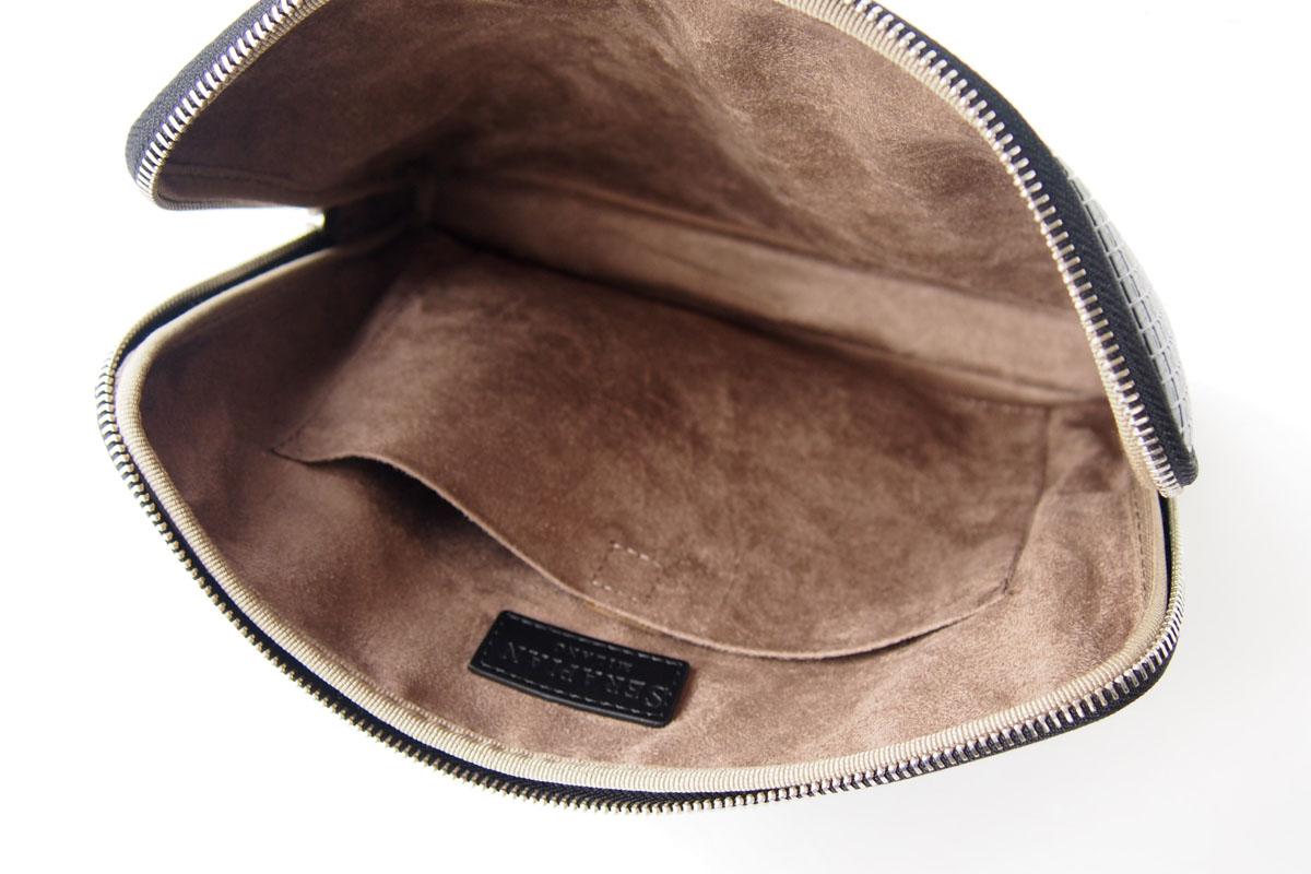 セラピアンミラノ|Serapian Milano|ハンドル付きクラッチバッグ|タブレットケース|PVC|ブラックイメージ09