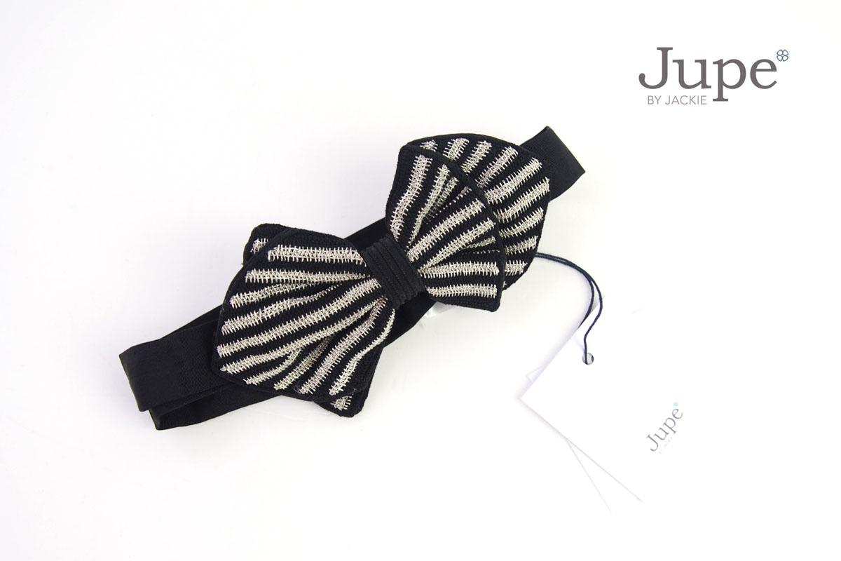 ジュープ バイ ジャッキー Jupe by Jackie ハンドメイドボウタイ 蝶ネクタイ ストライプ柄 ブラック×シルバー イメージ01
