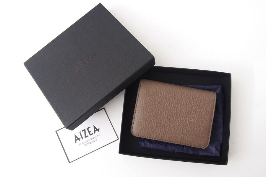 アイセア|AIZEA|コンパクトウォレット|2つ折り財布|トリヨンレザー|トープイメージ010