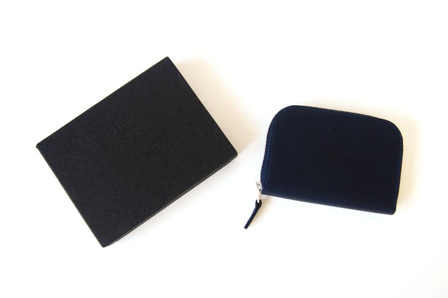 ピービーゼロワンワンゼロ PB0110 ジップ財布 ジップウォレット CM1.1 WALLET Baby Blue ネイビーイメージ010