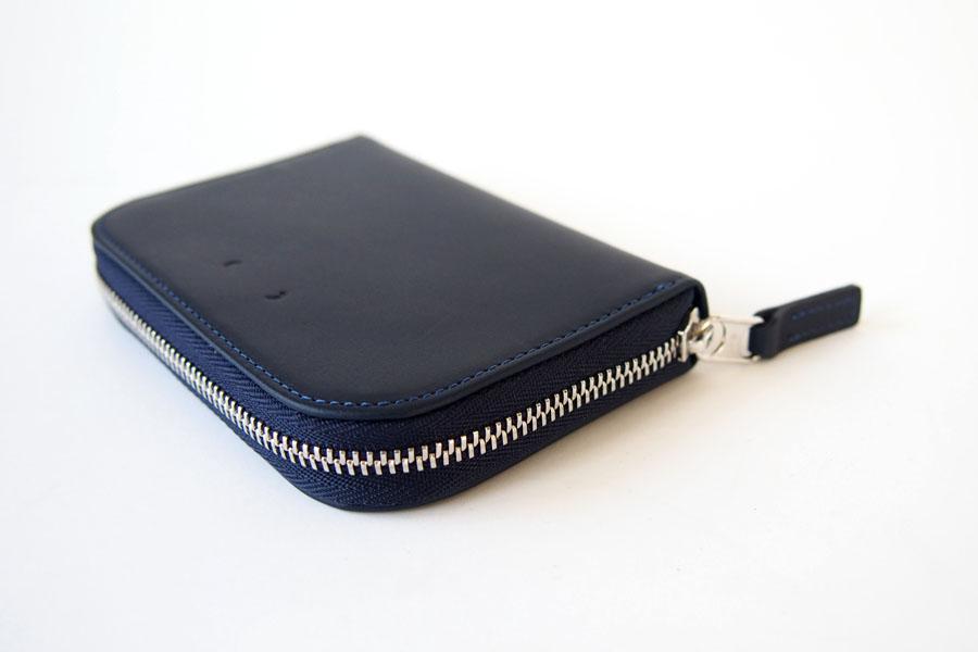 ピービーゼロワンワンゼロ PB0110 ジップ財布 ジップウォレット CM1.1 WALLET Baby Blue ネイビーイメージ05