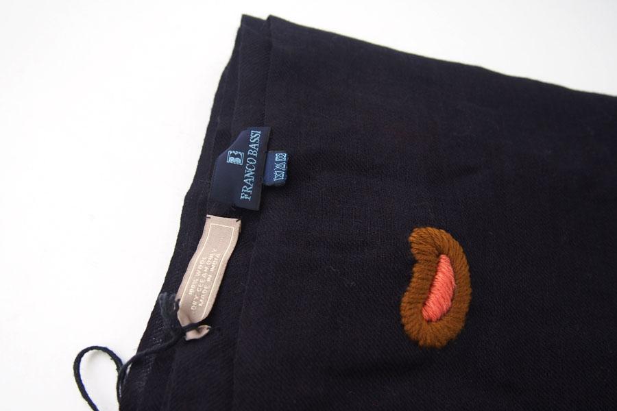 フランコバッシ|Franco Bassi|ペイズリー刺繍ウールストール|ネイビーイメージ02
