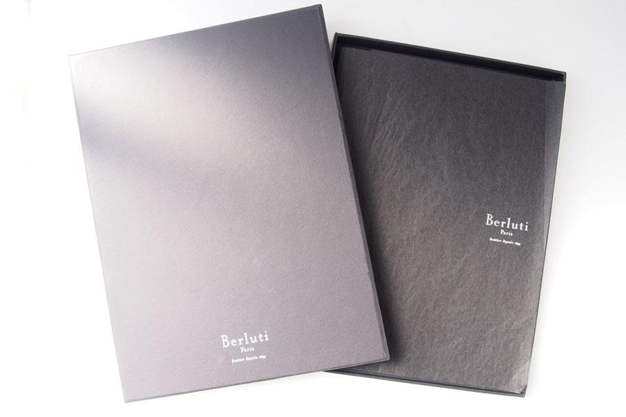 ベルルッティ|Berluti|稀少|顧客限定|非売品革表紙ノベルティノート|手書きアート入り|ブラックイメージ08