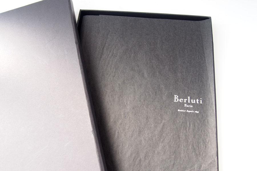 ベルルッティ|Berluti|稀少|顧客限定|非売品革表紙ノベルティノート|手書きアート入り|ブラックイメージ09