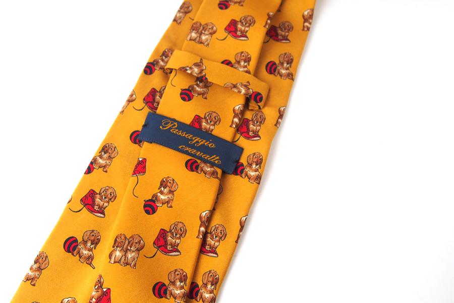パッサッジョ クラバッテ|Passaggio Cravatte|ドッグ柄プリントシルクネクタイイメージ03