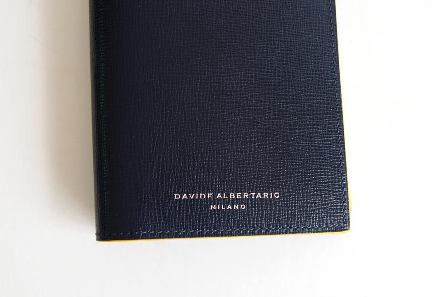 ダヴィデ アルベルタリオ |DAVIDE ALBERTARIO|グレインレザーパスポートケース|阪急別注|ネイビー×イエローイメージ02