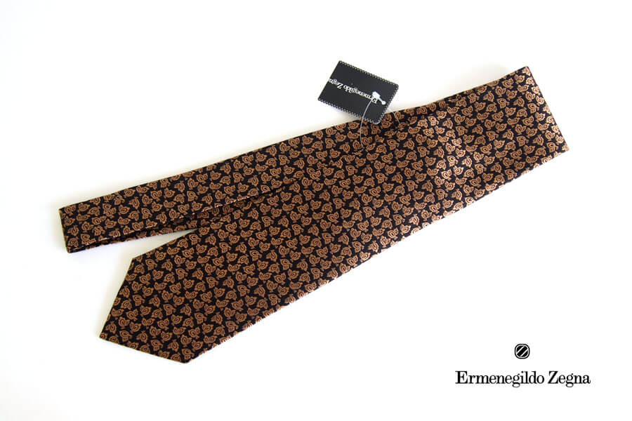 エルメネジルド・ゼニア|Ermenegildo Zegna|小紋柄シルクネクタイ|ブラック×ゴールドイメージ01