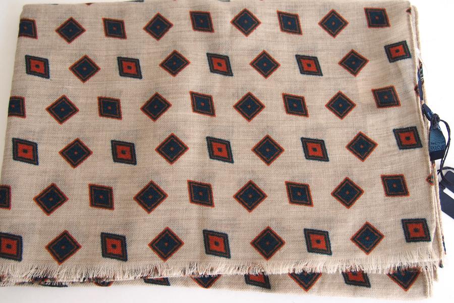 フランコバッシ Franco Bassi ウールストール 菱形小紋柄 ベージュイメージ02