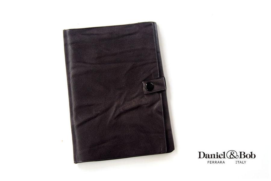 ダニエル&ボブ|Daniel & Bob|パスポートケース|カルミネ ローディー|CARMINE RODI|COL.97イメージ01